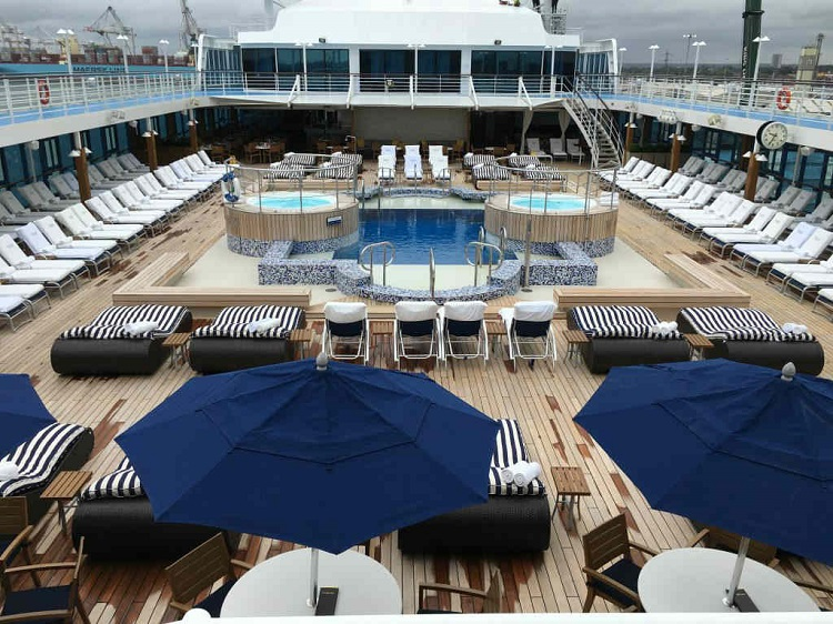 Sun deck on-board Oceania Nautica