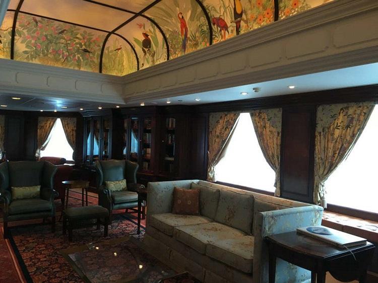 Oceania Nautica - Library interior