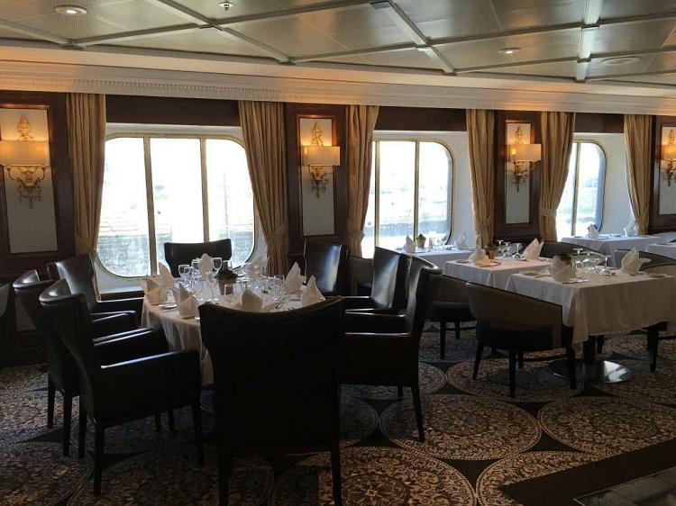 Dining venue on-board Azamara Quest