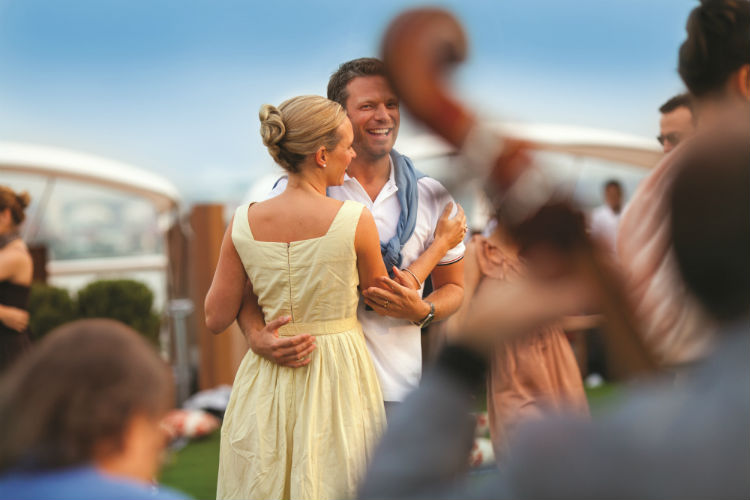 Couple dancing - Celebrity Cruises