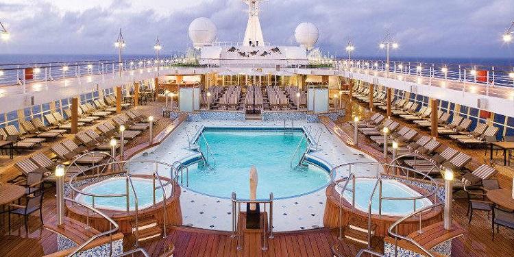 Regent Seven Seas - Voyager Pool deck on-board