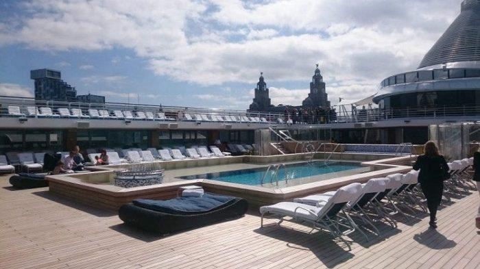 Sun-deck on-board Oceania Marina