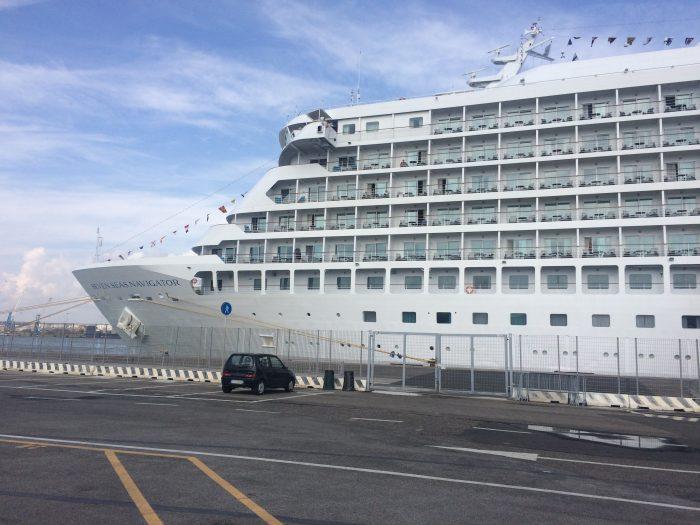 Expert Review Seven Seas Explorer Versus Seven Seas
