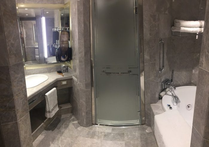 Marble bathroom in Silver Suite on-board Silver Muse