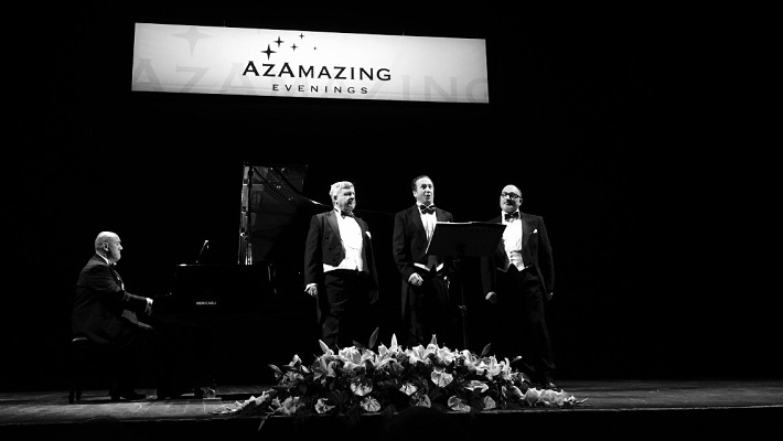 The Three Tenors performing on-stage