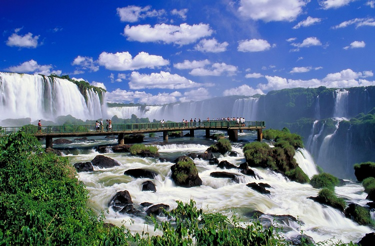 A luxury cruise excursion to the mighty Iguassu Falls in Brazil