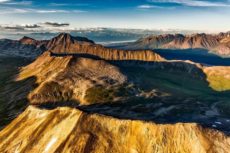 Vast mountain range in Alaska during the spring time