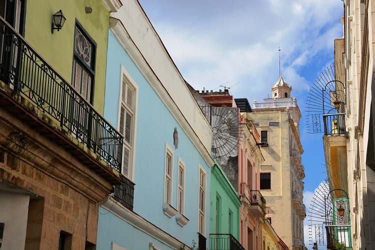 Colourful pastel buildings with intricate balconies in Havana cruise port