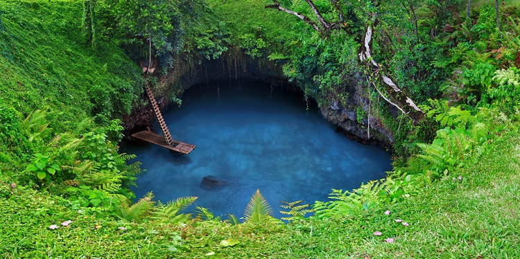 Deep blue water in the To Sua trench in the South Pacific