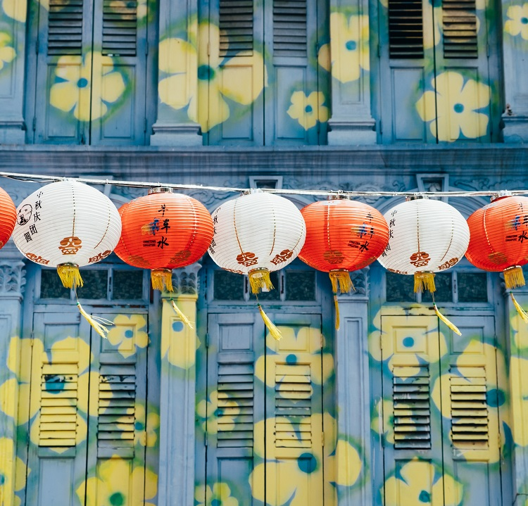 Street art and lanterns in Chinatown in Singapore