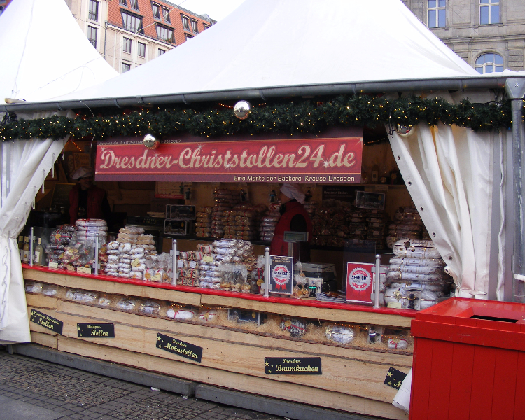 A food stall at the Christmas market in Dresden