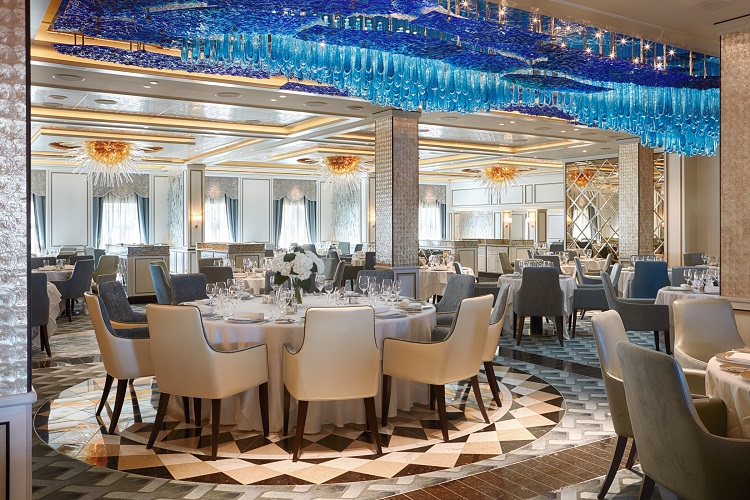 Extravagant surroundings in the Compass Rose restaurant on a Regent Seven Seas crusie