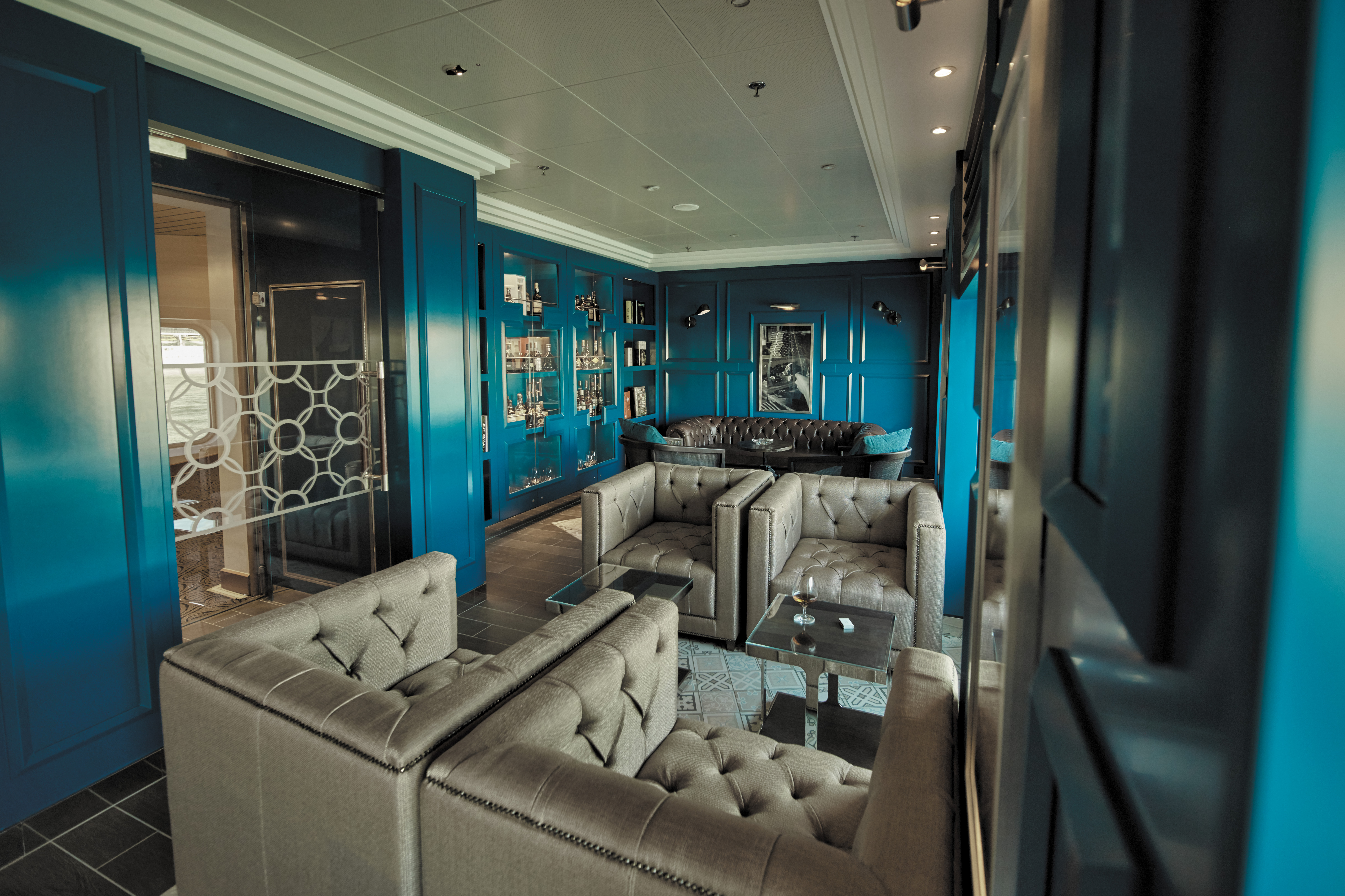 The sophisticated Connoisseur Club on-board Regent Seven Seas Voyager