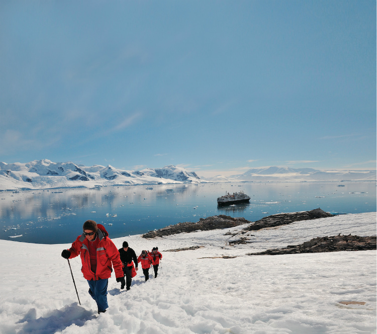Solo cruisers on an excursion in Antarctica with Silversea