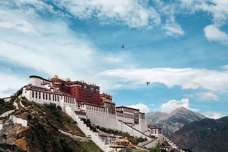 Stunning view of the Jokhang Temple in Tibet