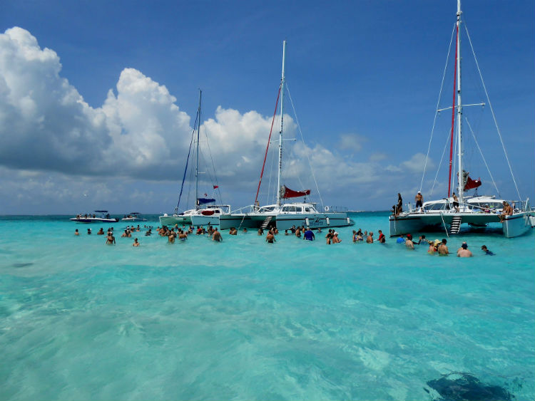 Stingray City in Grand Cayman - Caribbean destination