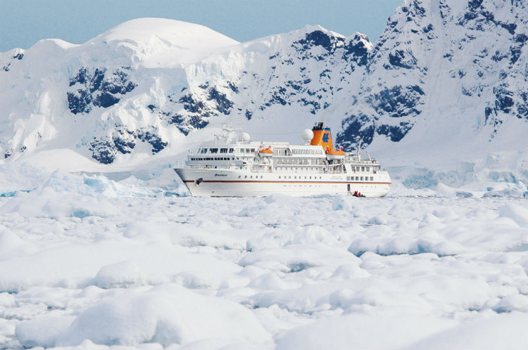Hapag-Lloyd - MS Bremen in the Arctic
