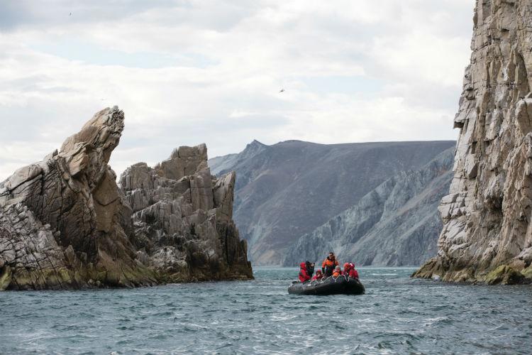 Mountain Zodiac tour - Silversea Expedition