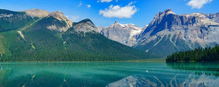 Lake in Alaska - Mountains - Landscape