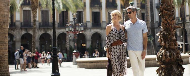 Couple on a Regent Barcelona excursion