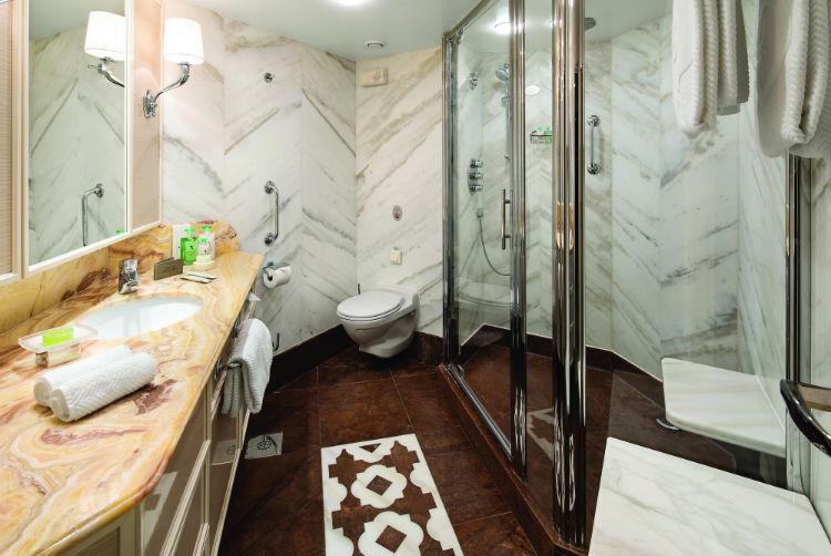Owner's Suite - Bathroom - Oceania Insignia