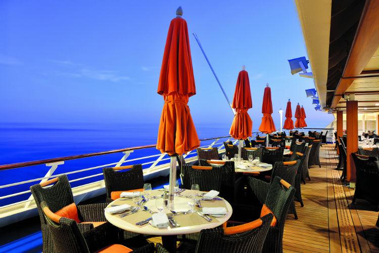 Terrace Cafe - Oceania Insignia