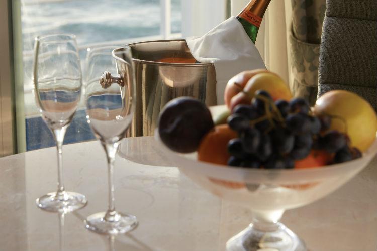 Fruit and wine in suite - Regent Seven Seas
