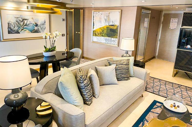 Splendor Suite living room