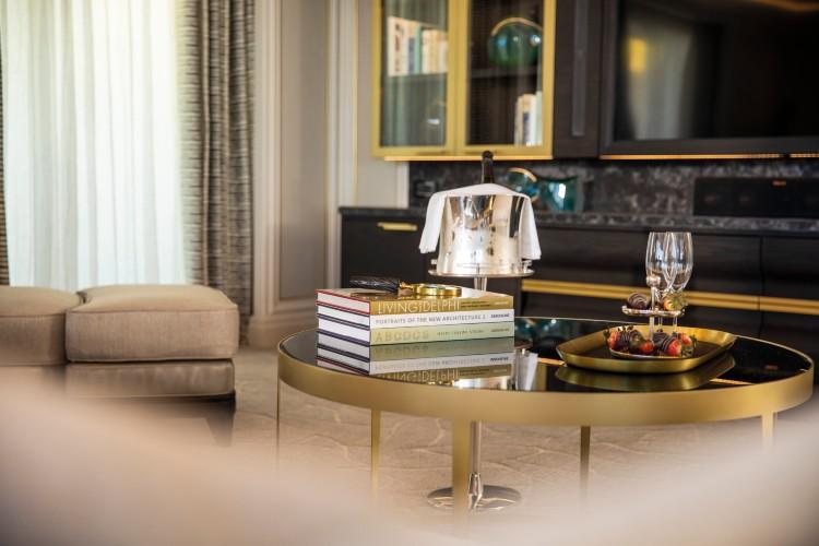 Regent Suite - Living Room