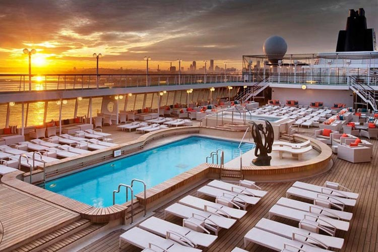 Crystal Symphony - Pool at sunset