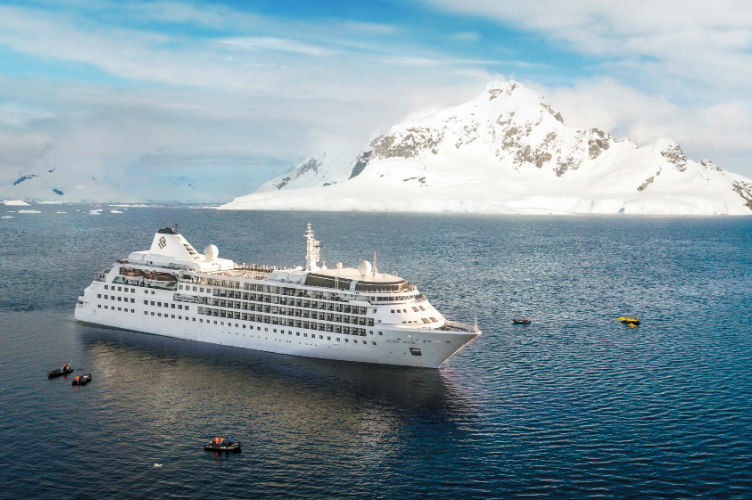 Silver Wind sailing in Antarctica