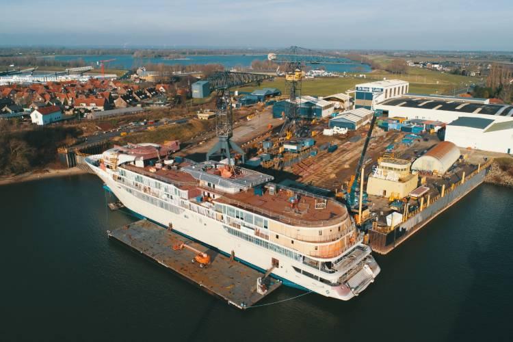 Silver Origin at the De Hoop Shipyard - Silversea